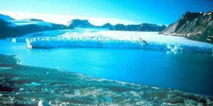 حرائق تحت الجليد ماذا يحدث في القطب الشمالي